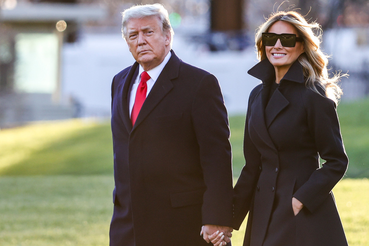 President Trump, First Lady release their second Christmas greetings