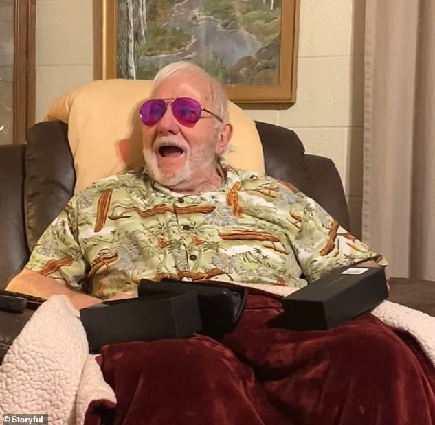 Moment of Heart A man, 80, sees color for the first time through color-blind glasses