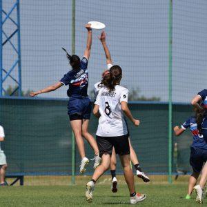 Российские команды должны выступать как «нейтральные спортсмены» во время двухлетнего запрета МОК.
