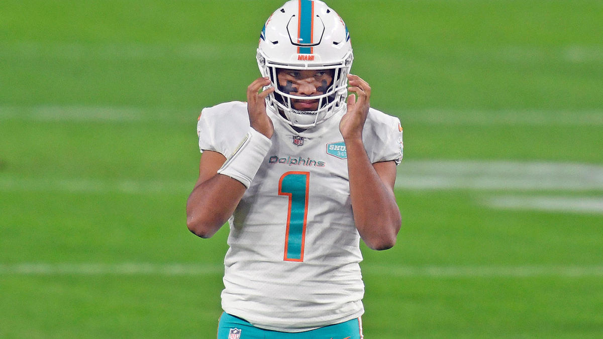 Dolphins' players do not trust Tua Tagovailoa's abilities in midfield, according to the report