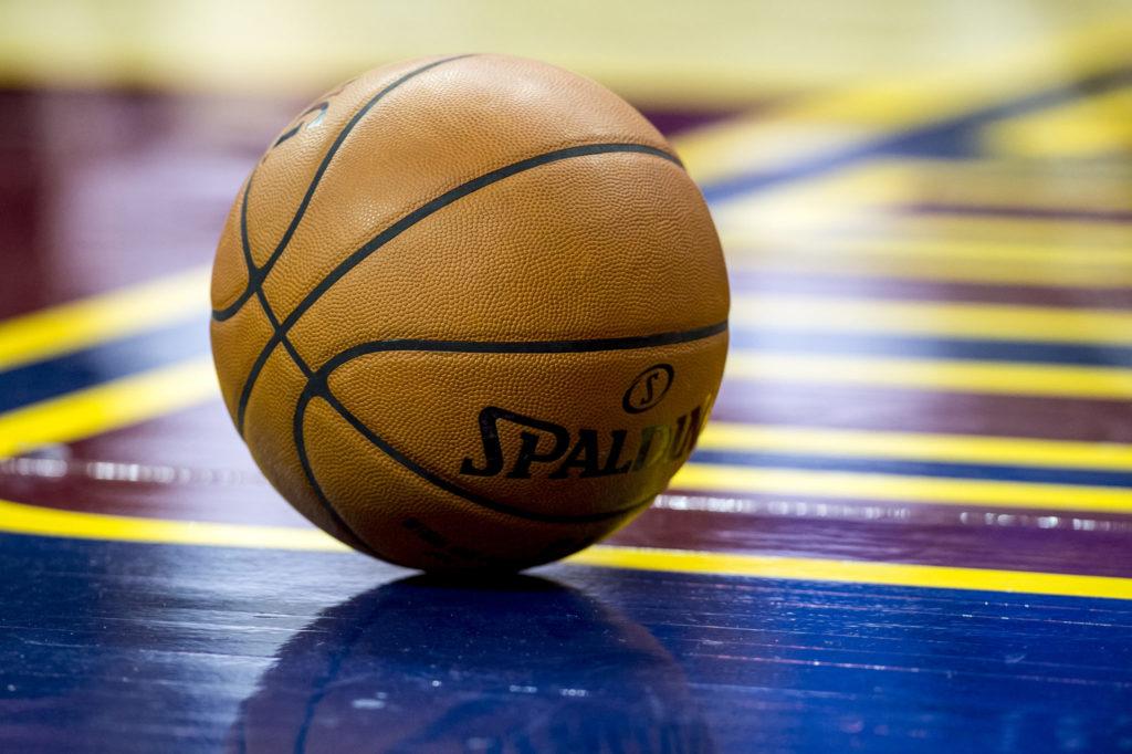 Сегодня широко распространяется видео о таком спорте, как сумасшедший баскетбол.