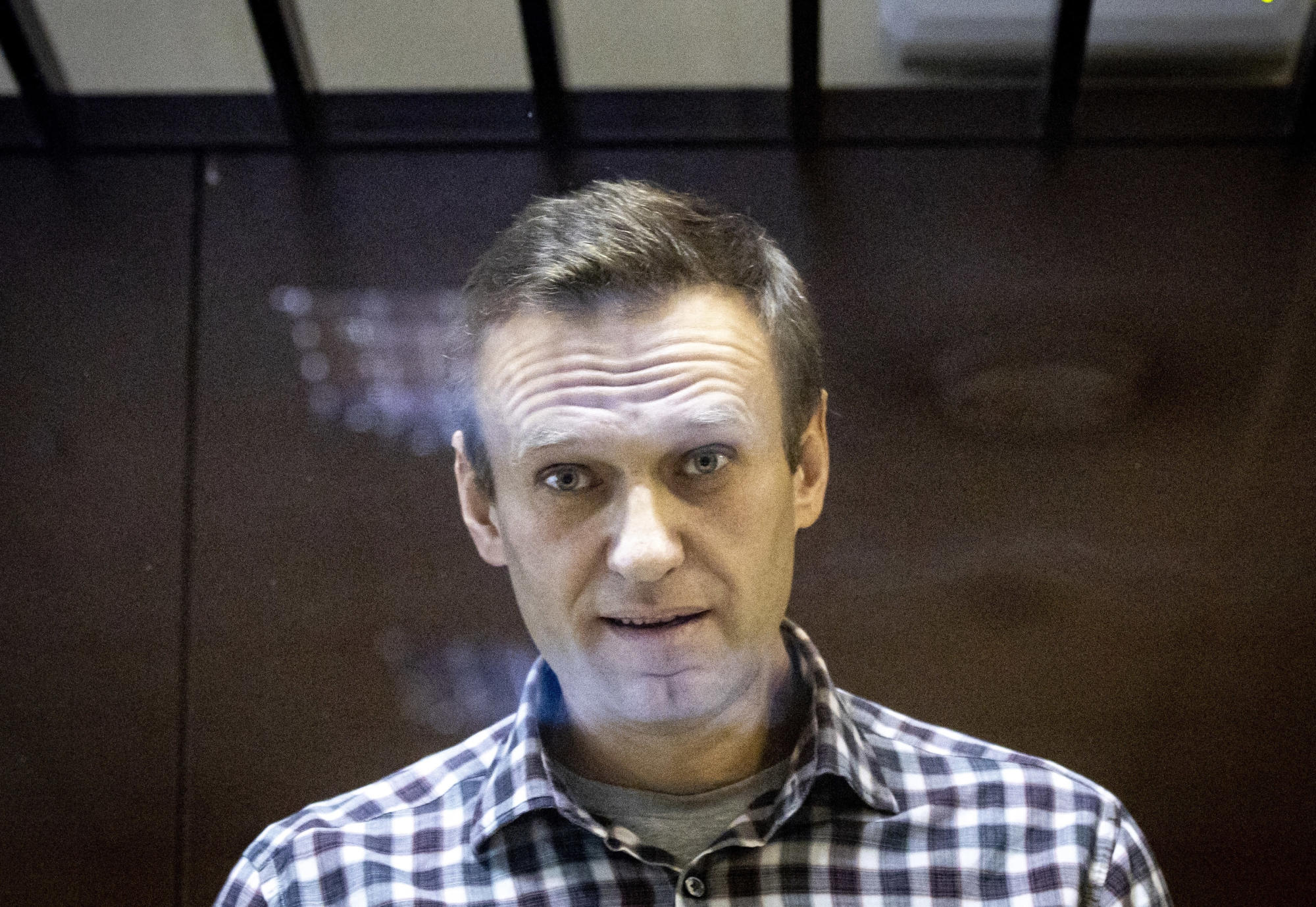 Лидер российской оппозиции Навальный страдает грыжей позвоночника