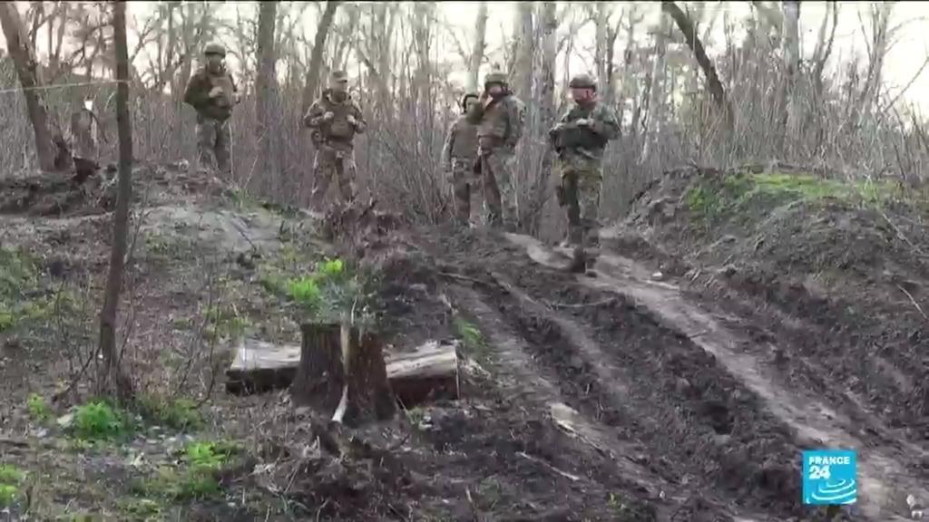Украинские солдаты подозревают, что санкции Запада сдержат российские войска