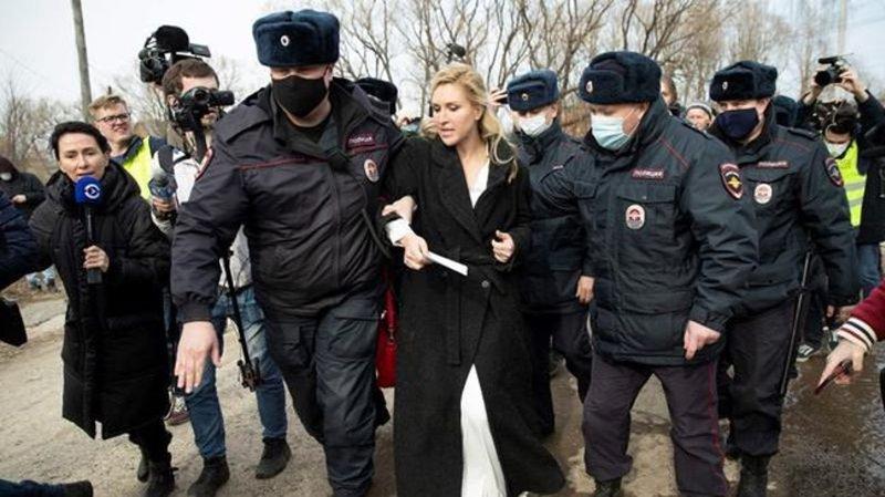 Юрист: лидер российской оппозиции Навальный страдает грыжей позвоночника    Нанаймо