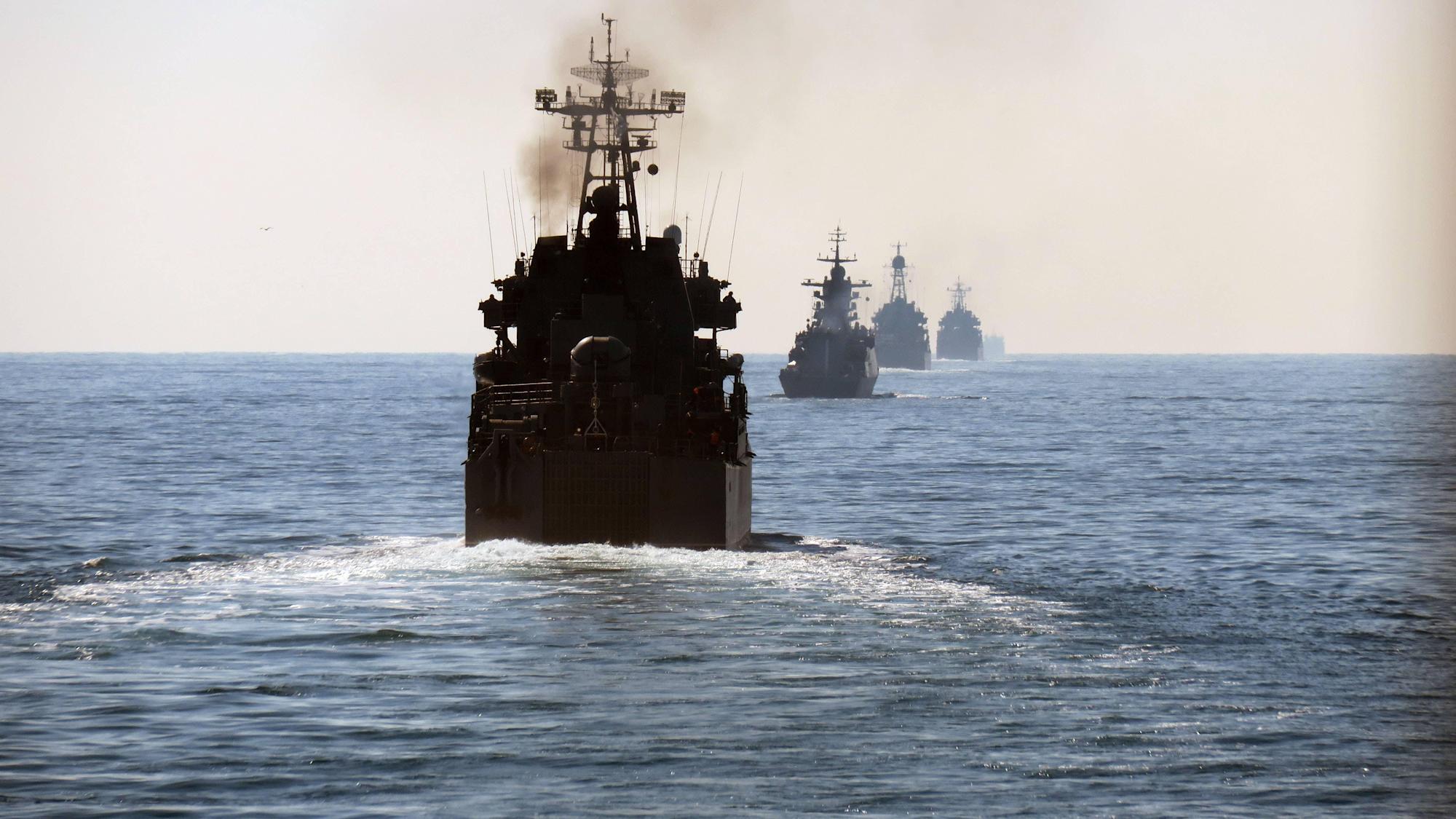 Королевский флот наблюдает за семью российскими кораблями в проливе Ла-Манш