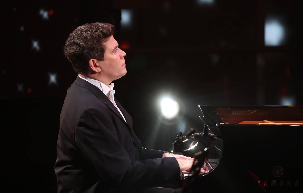 Знаменитый пианист Мациев предлагает российским спортсменам разные версии Чайковского – спорт