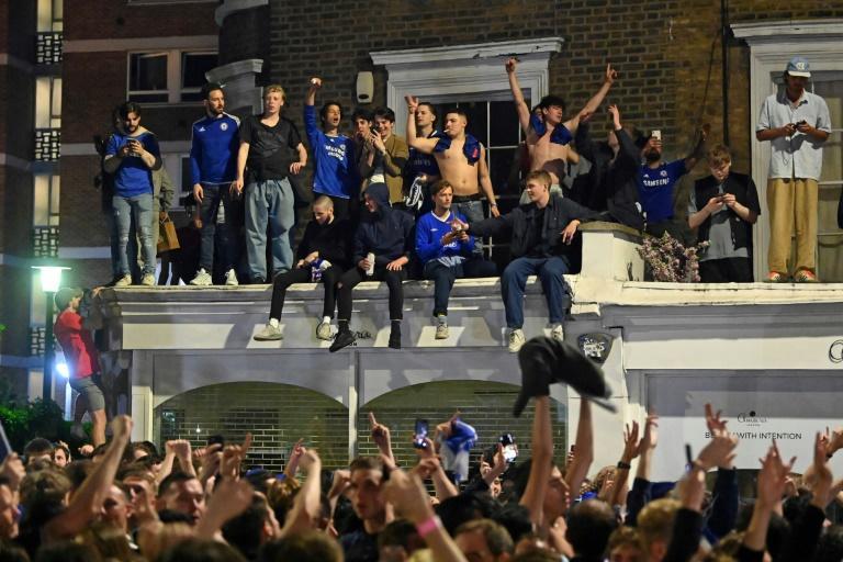 Кей – предел, поскольку фанаты Челси празднуют свою славу в Лиге чемпионов