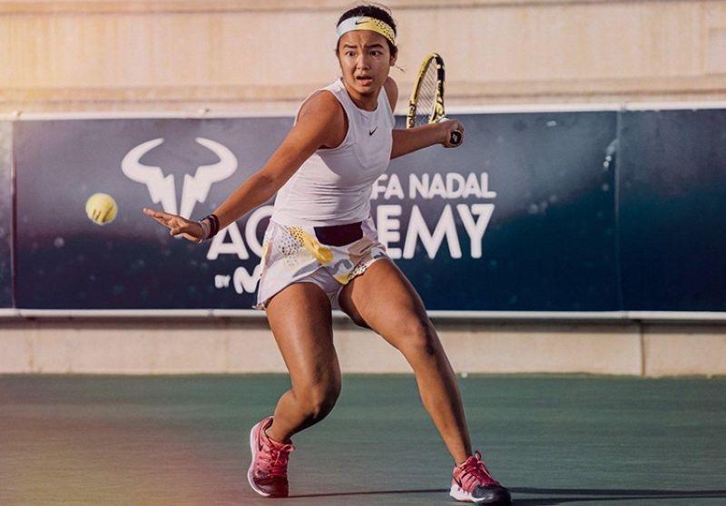 Алекс Айяла, его товарищ по сборной России, вышел в четвертьфинал женского парного разряда на Открытом чемпионате Франции по теннису