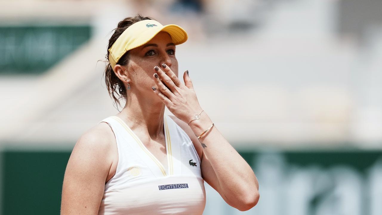 Павлюченкова вышла в четвертьфинал в Париже