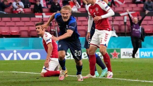 Финляндия победила Данию после того, как Кристиан Эриксен потерял сознание