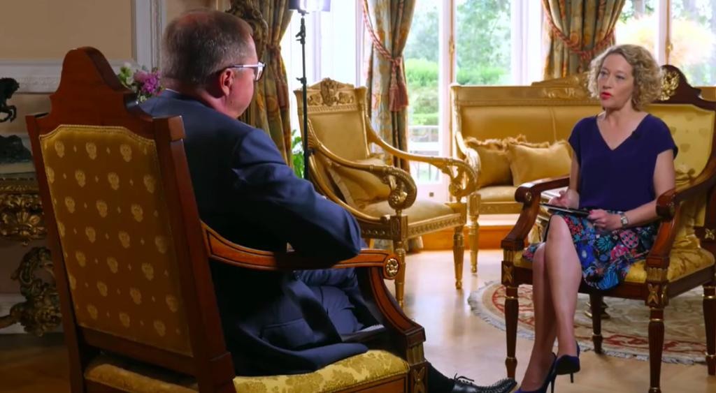 Я разговаривал с послом России, когда в Черном море прозвучали предупредительные выстрелы.