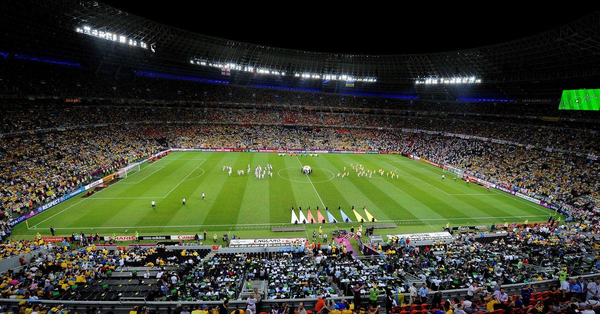Разделение преданности по футболу: население истерзанной войной восточной Украины разделено на евро