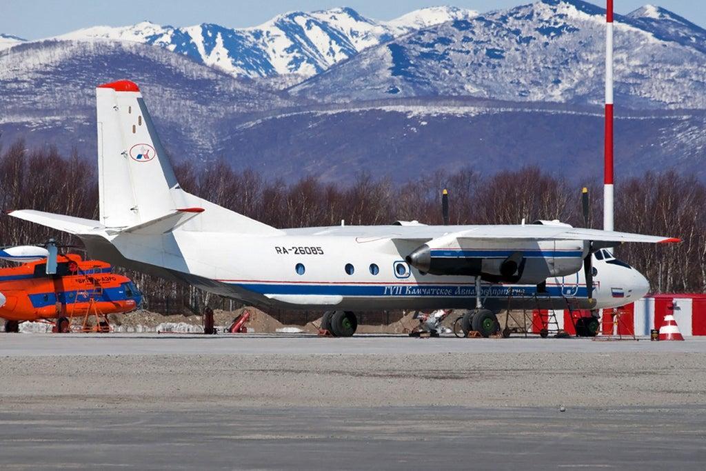 28 человек на борту погибли в авиакатастрофе российского пассажирского самолета