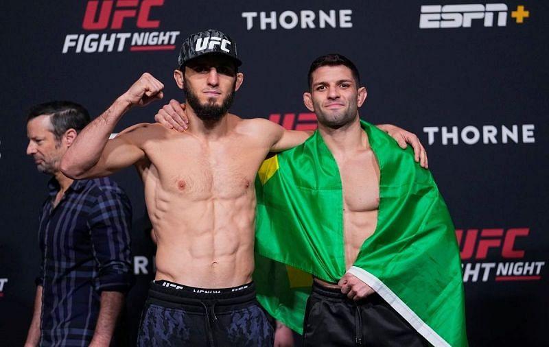 Ислам Махачев (слева);  Тьяго Мойзес (справа)