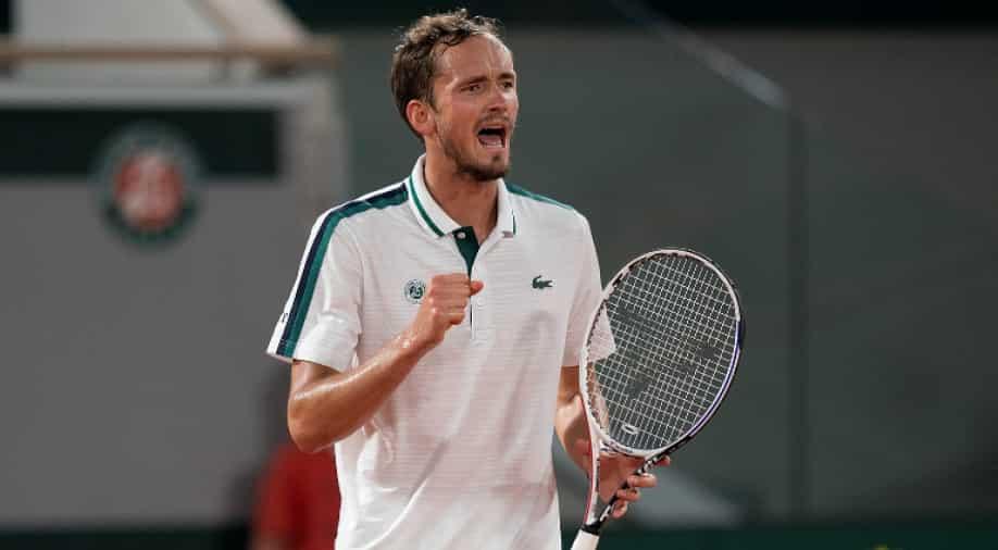 Теннис – Даниил Медведев укрощает гиганта Опелку за титул чемпиона Торонто, новости спорта