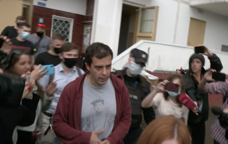 """Российский редактор осуждает """"разрушение СМИ"""" накануне выборов"""
